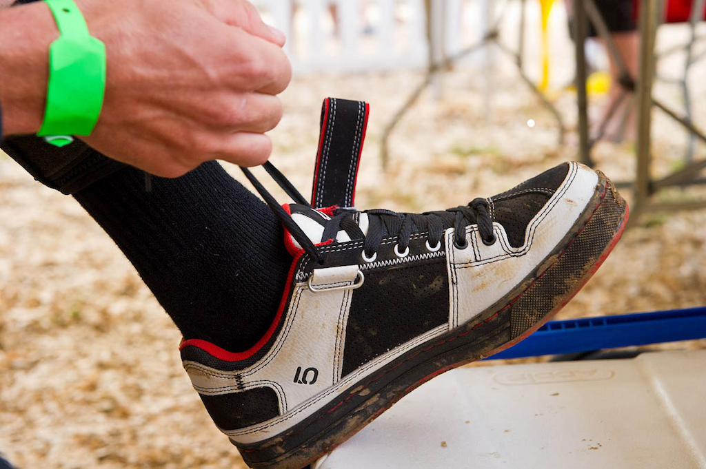 casual and stylish looking clipless shoes