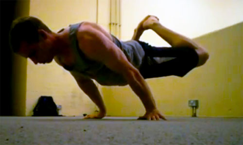 Random Internet User showing his straddled half-lay planche