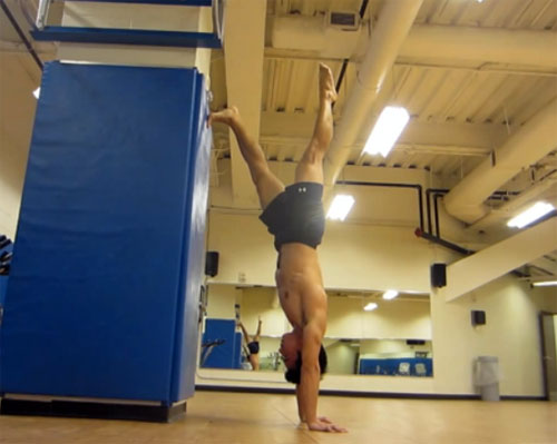 one leg hold chest to wall handstand by dan jeong